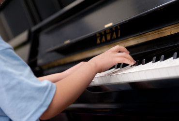 Plateau-Families looking for piano teachers